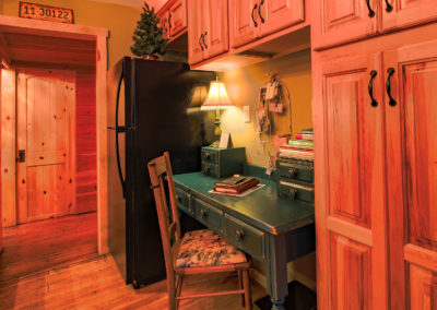 Redemption Cabin is a vacation rental in Estes Park Co. Here is an image of its office nook.