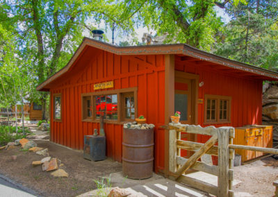 This is an image of Reflection Cabin, an Extraordinary Vacation Rental in Estes Park.