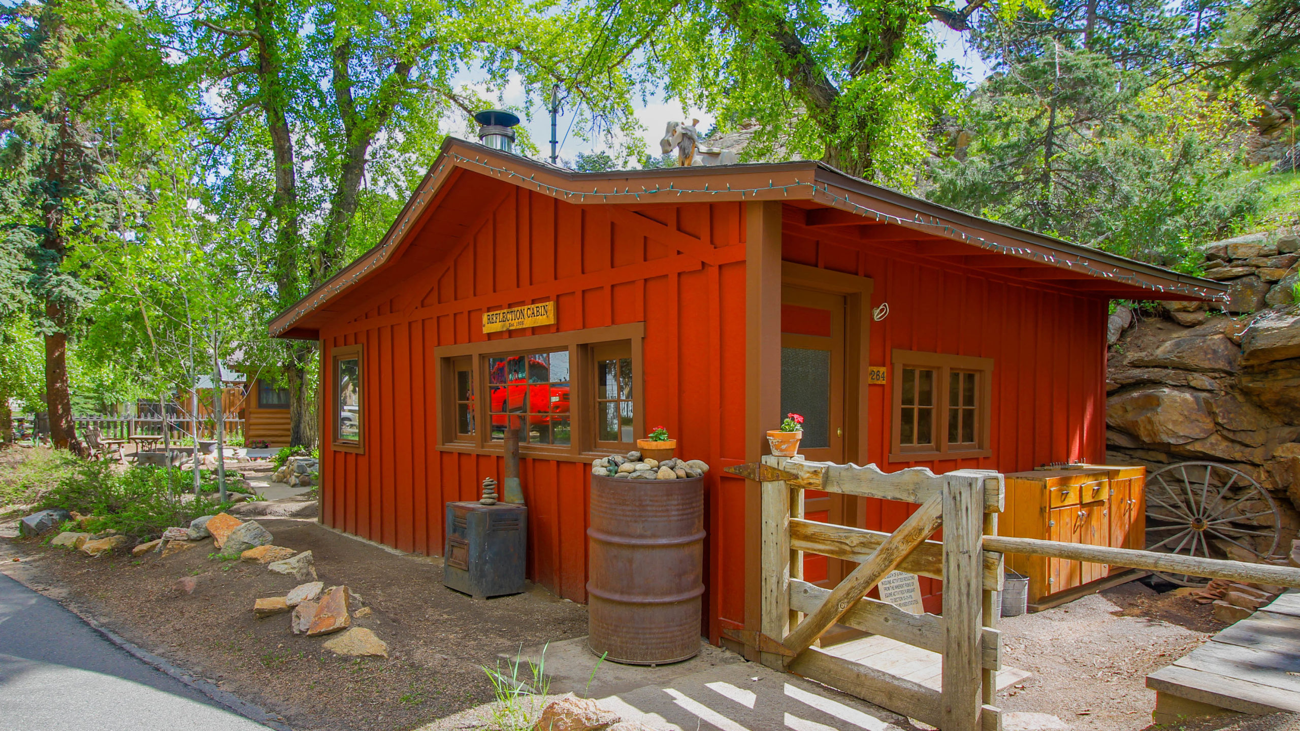 This in an image of Reflection Cabin. It is an extraordinary vacation rental cabin near RMNP in Estes Park CO USA.